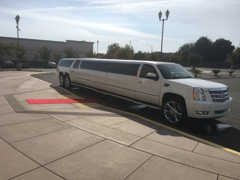 Prestige Limousine Cadillac limo - side view pic2