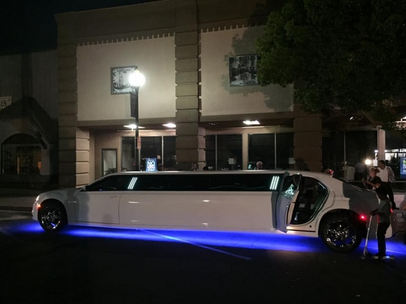 Prestige Limousine Services - Nights out on the town pic2 with ground lighting on